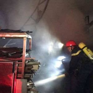 Xưởng tái chế nhựa tại Tx Sơn Tây bốc cháy ngùn ngụt trong đêm
