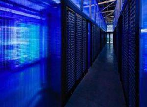 Khám phá phòng máy chủ quyền lực của Facebook