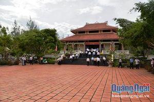 Dâng hương tưởng niệm 152 năm ngày Anh hùng dân tộc Trương Định tuẫn tiết