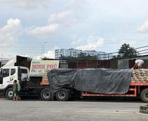 Rùng mình xe chở xi măng Hà Tiên đe dọa tính mạng người dân