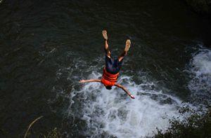 Tạm dừng các tour mạo hiểm sau vụ du khách Hàn Quốc tử vong khi nhảy thác