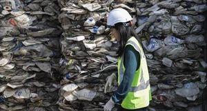 Hàng triệu tấn rác độc nước ngoài xâm nhập Malaysia và Philippines