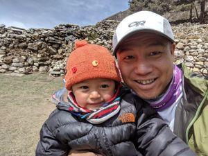 Kỹ sư Việt để lại bình oxy, cứu bạn hấp hối trên đỉnh Everest