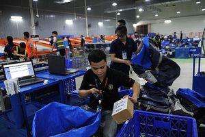 Ngành logistics Việt Nam: 'Chạy đua' cùng thương mại điện tử