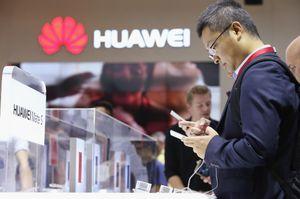 Thị trường quan trọng nhất quay lưng, Huawei ngày càng khó sống