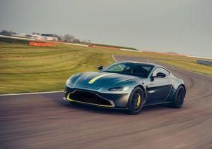 Siêu phẩm Aston Martin Vantage AMR cho đặt hàng tại Việt Nam