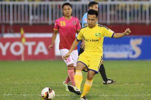 Vòng 16 V.League: 'Nợ nần' còn nóng hổi