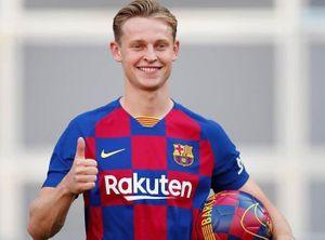 Thống kê gây sốc của De Jong trong trận ra mắt Barca