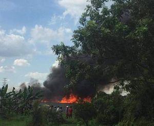 Cháy lớn, cột khói cao đến 30 mét