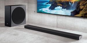 Mang rạp phim về nhà với soundbar Samsung Harman Kardon và TV QLED 8K