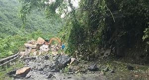 Sạt lở núi đá ở Bắc Kạn, 2 người thương vong