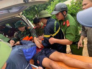 Tường thuật từ Quan Sơn: Huy động khoảng 1.000 người tìm kiếm người mất tích do lũ