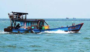 Khẩn trương tìm kiếm bốn ngư phủ mất tích trên biển Cà Mau