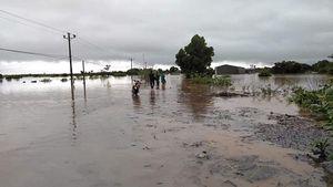 Mưa lớn, nhiều địa phương ở Đắk Lắk bị cô lập, phải di dời dân
