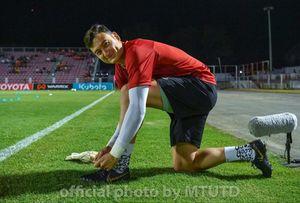 Park Hang Seo nhận tin vui từ thủ môn Văn Lâm; Thái Lan khủng hoảng trước trận gặp tuyển Việt Nam