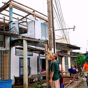 TP.Cà Mau: 27 căn nhà tốc mái và một khu nhà ăn trường mẫu giáo bị sập