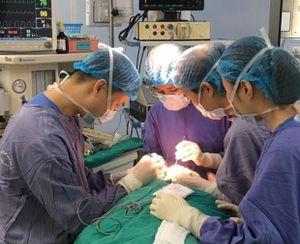 Bệnh viên đa khoa TW Cần Thơ cứu sống bệnh nhân bị u nhầy nhĩ hiếm gặp