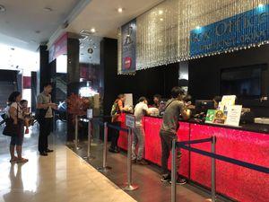 Các điểm bán vé trận Thái Lan-Việt Nam đóng cửa ngay sau khi mở bán