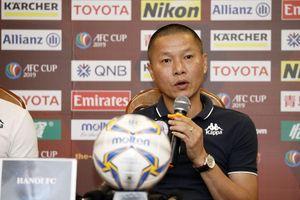 Huấn luyện viên trưởng đội Altyn Asyr đánh giá cao Văn Quyết