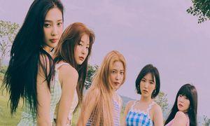 Red Velvet bị tố đạo trang phục khi vừa trở lại không lâu