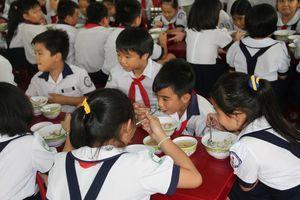 TPHCM ban hành khung mức thu đầu năm học mới