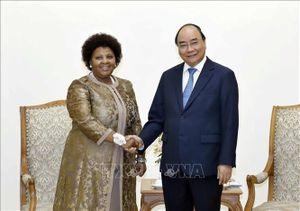 Thủ tướng Nguyễn Xuân Phúc tiếp Bộ trưởng Quốc phòng và Cựu Chiến binh Nam Phi