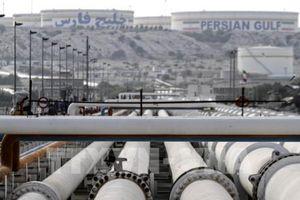 Các thị trường dầu mỏ thế giới diễn biến trái chiều