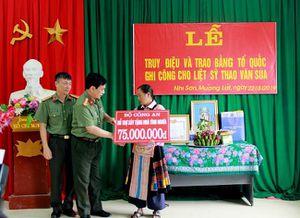 Bộ trưởng Đào Ngọc Dung: Liệt sĩ Thao Văn Súa là tấm gương hy sinh vì nước, vì dân