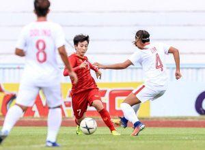 Tuyển nữ Việt Nam phản lưới nhà trong trận bán kết AFF Cup 2019, song vẫn lội ngược dòng