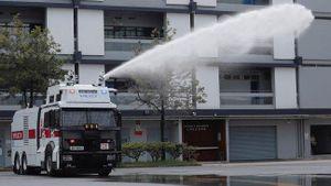 Hong Kong lần đầu sử dụng vòi rồng giải tán biểu tình