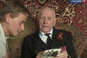 Đại úy Nga tìm lại được lá thư trong chai thả 50 năm về trước