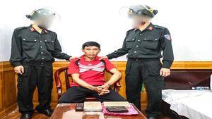 Bắt đối tượng người Lào, thu giữ 2 bánh heroin