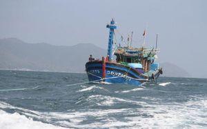 2 tàu cá hỏng máy, 42 ngư dân lênh đênh trên biển