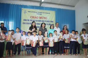 Phó Chủ tịch nước Đặng Thị Ngọc Thịnh thăm Trung tâm nuôi dạy trẻ khuyết tật tại Quảng Ngãi