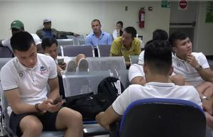 Quang Hải, Bùi Tiến Dũng lên tuyển muộn vì lý do 'khó đỡ'