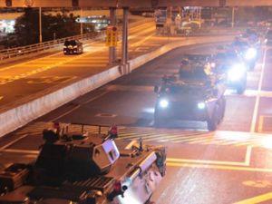 6.000 binh sĩ Trung Quốc vào Hong Kong lúc rạng sáng