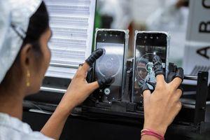 'Đội quân' lương 4 USD/ngày đang làm ra chiếc iPhone 11