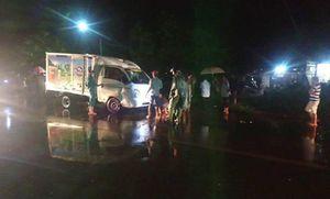 Xe tải mất lái tông xe máy văng cao 10m khiến hai dì cháu tử nạn