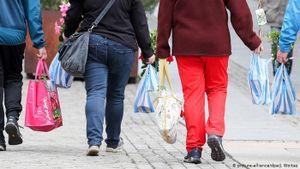 Đức sẽ phạt 110 USD nếu siêu thị cung cấp túi nhựa cho khách hàng