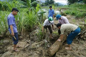 Vụ gia đình 3 người bị lũ cuốn trôi ở Tuyên Quang: Đã tìm thấy thi thể cháu bé