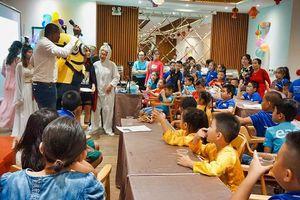 Trung Tâm Ngoại ngữ Ứng dụng Easy tổ chức lễ hội Trung thu cho các bé