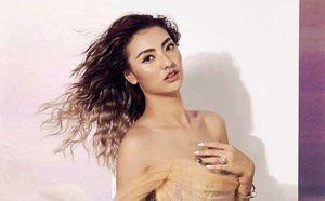 Sau tin đồn mang thai, người mẫu Hồng Quế bất ngờ khoe vòng 2 thon gọn