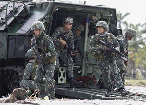 Philippines tập trận 'lịch sử' với khí tài mới tinh