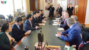 Trưởng Ban Tuyên giáo Trung ương thăm và làm việc tại Nga