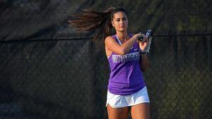 Tay vợt nữ xinh đẹp và trẻ trung người New Zealand qua đời trên đất Mỹ
