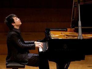 Hoàng tử Piano Lang Lang thể hiện tài năng với bản độc tấu