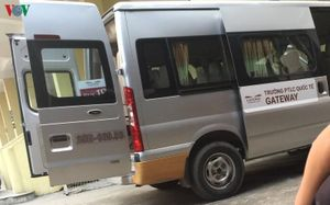 Cần có quy định pháp luật để quản lý xe bus học đường