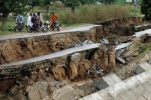 Hậu quả khủng khiếp từ trận động đất làm rung chuyển đất nước Pakistan