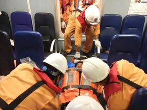 Cứu ngư dân gặp nạn khi đánh cá trên biển Vũng Tàu