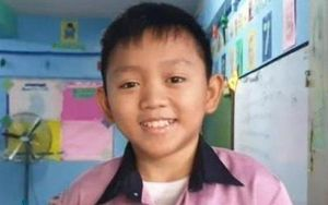Thầy giáo có gương mặt trẻ thơ, bị nhầm là học sinh tiểu học